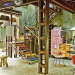 Casas con encanto loft con estilo industrial y muebles reciclados 5