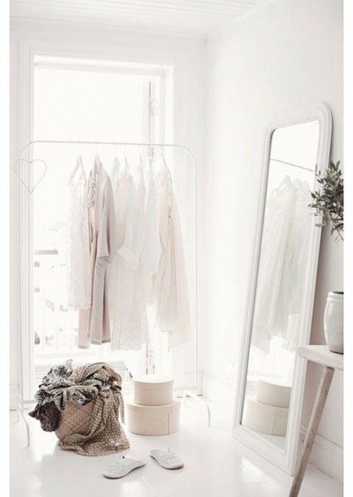 Burros para ropa los percheros a la vista 'rompen' en decoración... 6