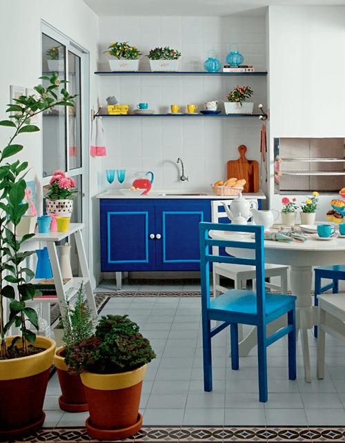 20 ideas para pintar muebles de madera antiguos a todo color 9