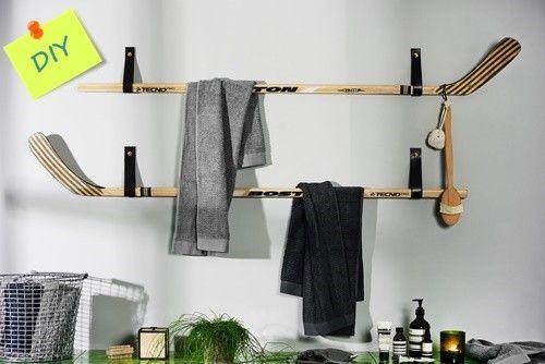 Reciclaje creativo colgadores de ropa con palos de hockey 1
