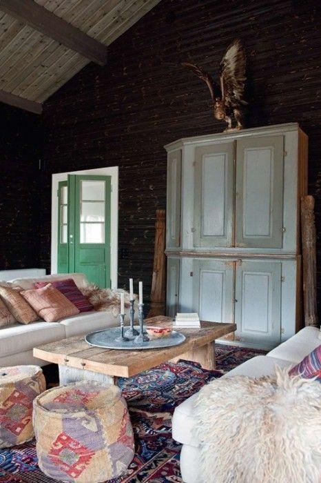 Casas con encanto un refugio revestido en madera con toques étnicos 1