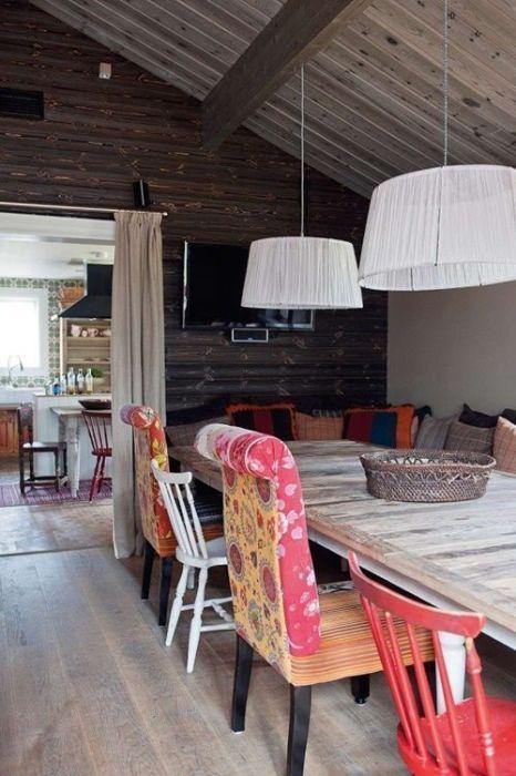 Casas con encanto un refugio revestido en madera con toques étnicos 2