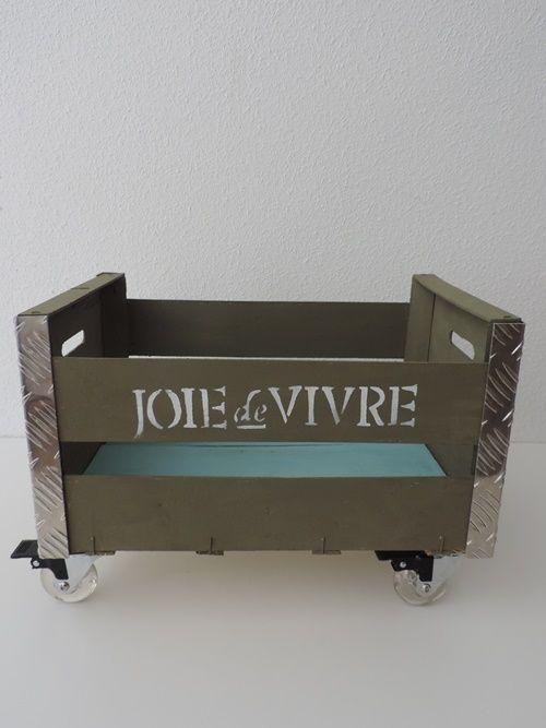 Reciclar cajas de fruta en original mueble auxiliar 7