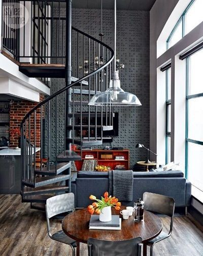 Escaleras de caracol para aligerar los espacios en las for Escaleras de viviendas