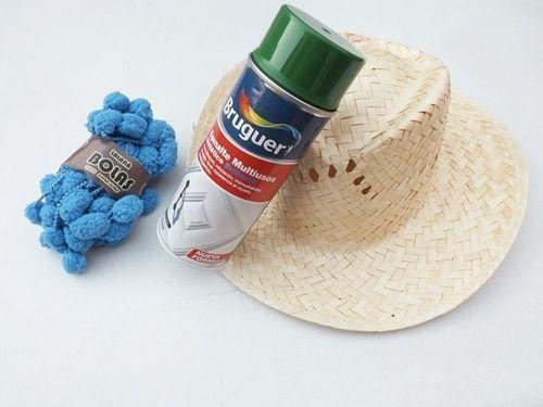 DIY con pintura en spray cómo personalizar sombreros de paja 1