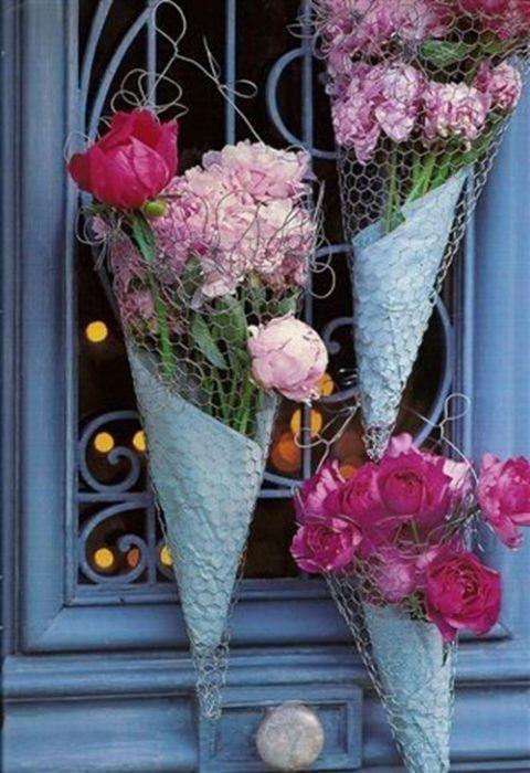 20 manualidades fáciles con tela de gallinero y estilo vintage con flores y demás.