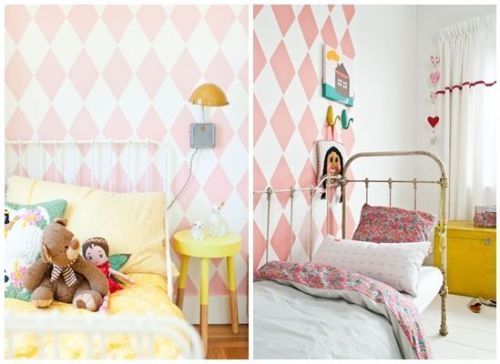 Dos ideas para decorar habitaciones infantiles originales con papel pintado infantil a rombos en tonos pastel y cama de hierro.