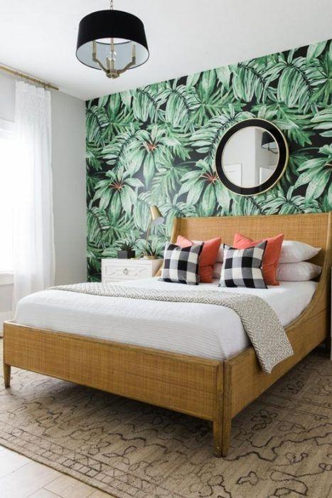 Crea paredes de acento con papel pintado en el dormitorio principal: ¡ningún dormitorio igual que otro con papeles pintados!