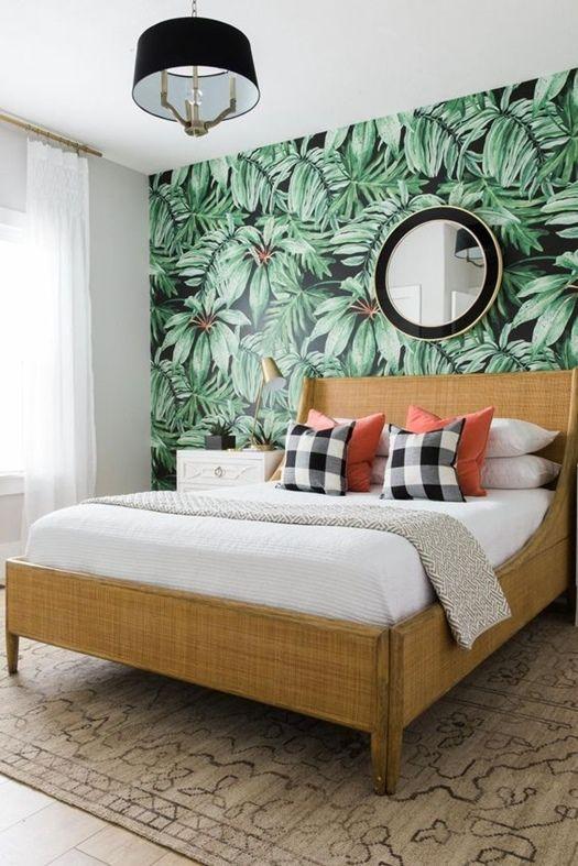 C mo crear paredes de acento con papel pintado de motivos trendy - Papel pintado dormitorio principal ...