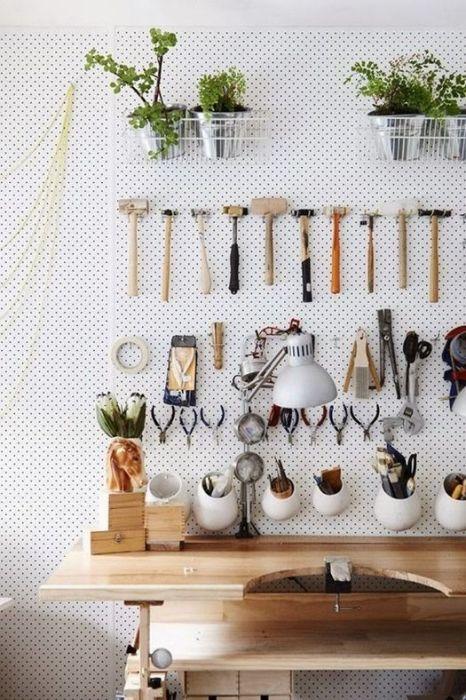 Cómo crear un taller para ordenar herramientas de bricolaje en casa.