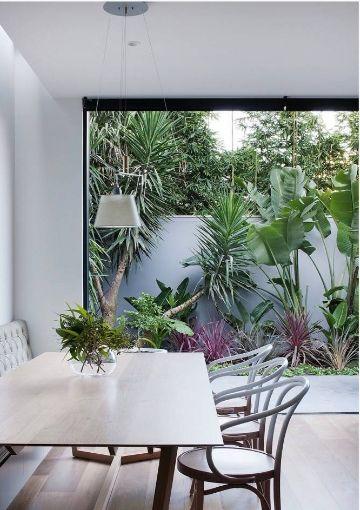 Entre las ventajas de las ventanas de aluminio, citar su mínimo perfil, incluso en vidrios grandes.