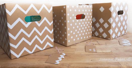 cajas de cartón de cartón decoradas con cinta adhesiva para ropa