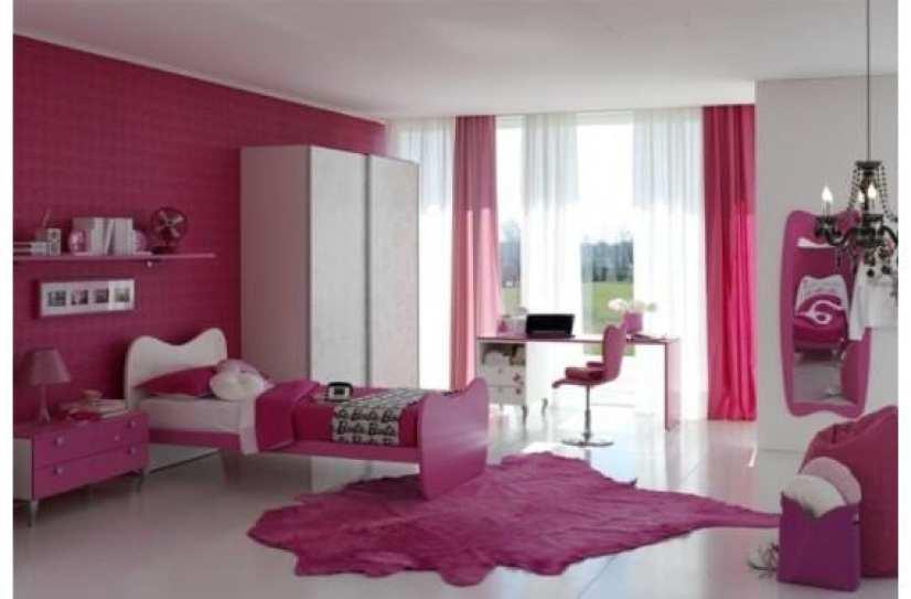 Habitación de color rosa para niñas