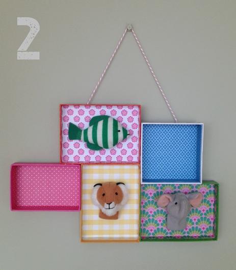 manualidad niños 3 DIY: Una estantería con tapas de cajas empapeladas by Terrón de Azúcar