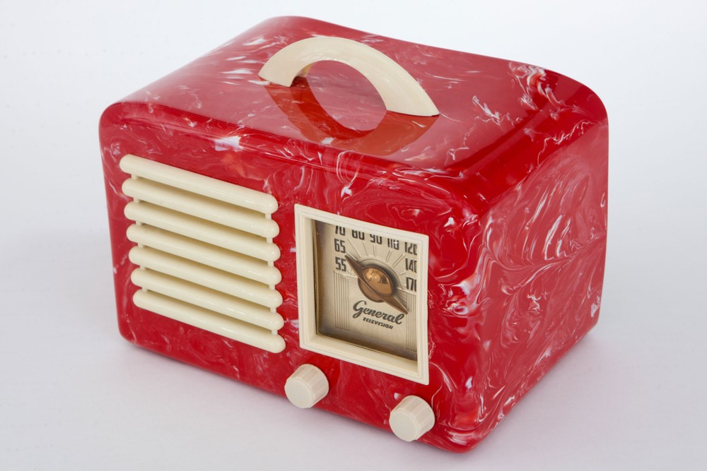 General Television Radio In Red Marbled Bakelite Rare