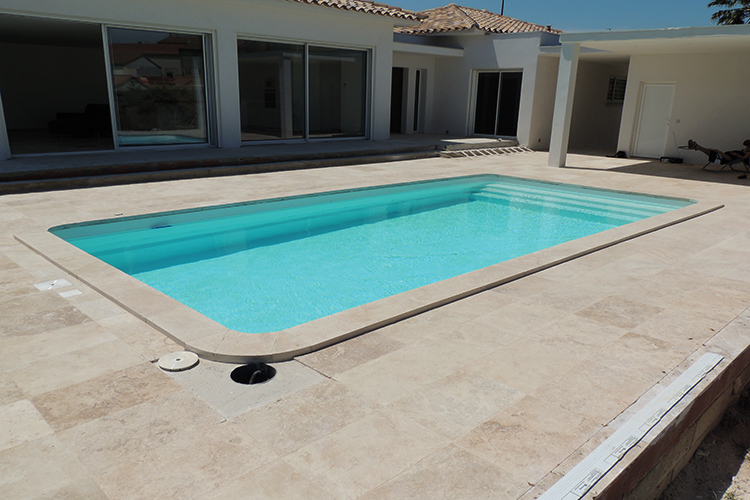 piscine coque polyester modele cannes