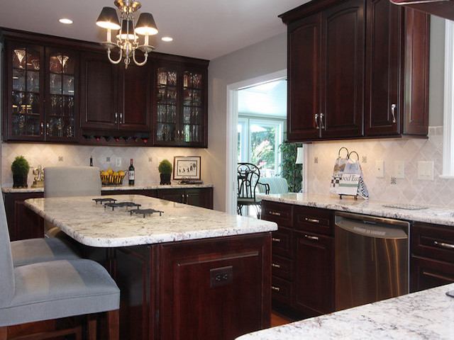 White Spring Granite Dark Cabinet Backsplash Ideas on Backsplash Ideas For White Cabinets And Granite Countertops  id=63014