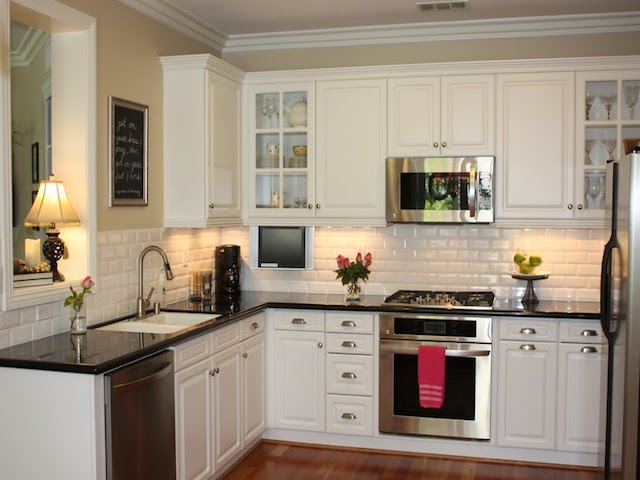 23 Backsplash Ideas White Cabinets Dark Countertops on Black Countertop Backsplash Ideas  id=83089