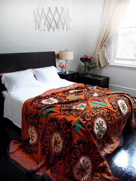 Latest Trends In Decorating Suzani Textiles And Bold Decorative Patterns
