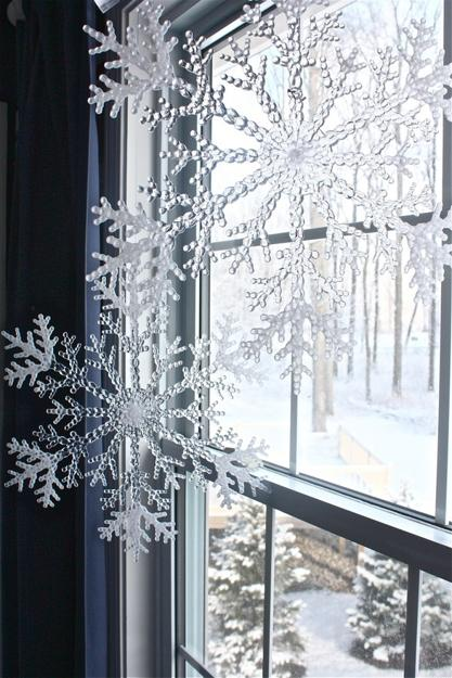 We may earn commission on some of the items you choose to buy. 33 Ways to Use Snowflakes for Winter Home Decorating