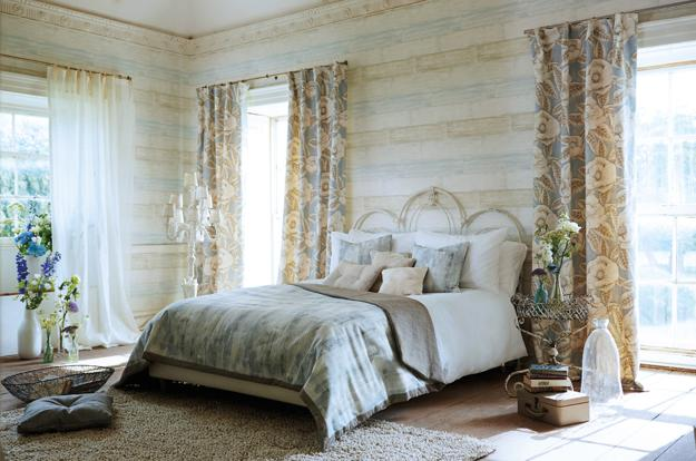 Modern Interior Decorating With Floral Designs And Pastel