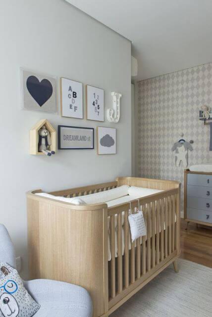Cor clara no quarto do Bebê