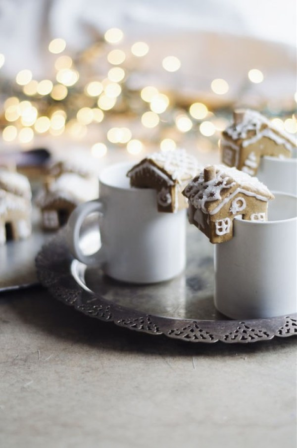 Teacup Gingerbread Houses