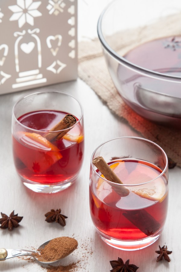 Non-alcoholic mulled wine as a kid's cocktail