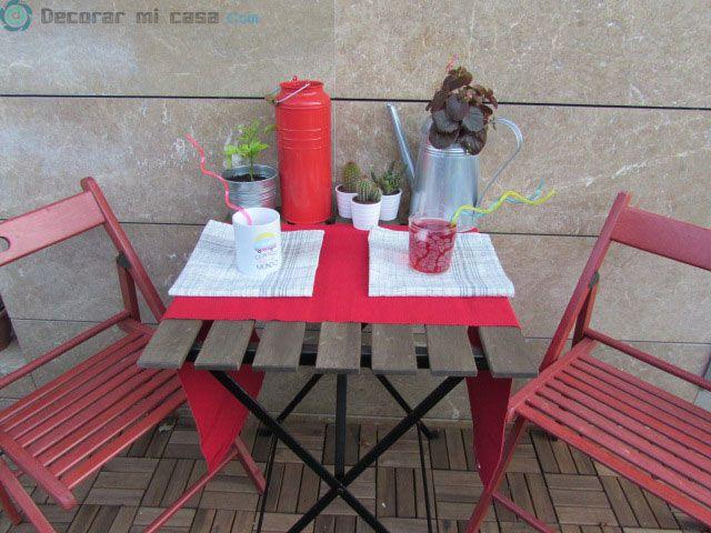 Mesa decorada para el verano