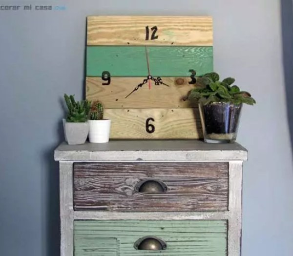 DIY: reloj con tarima de madera de jardín