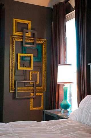 Decorar con marcos en el dormitorio