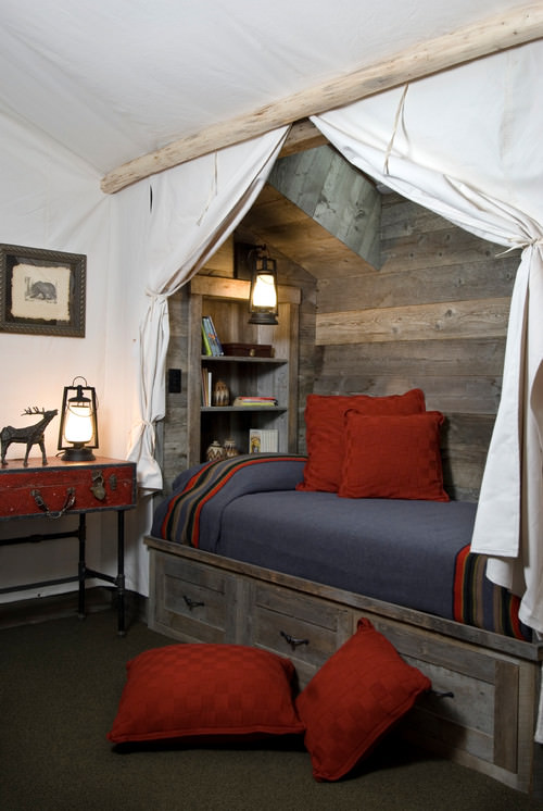 Coziest Bedrooms for Bedroom Bliss   Decorating Your Small ... on Small Room Pallet Bedroom Ideas  id=87660