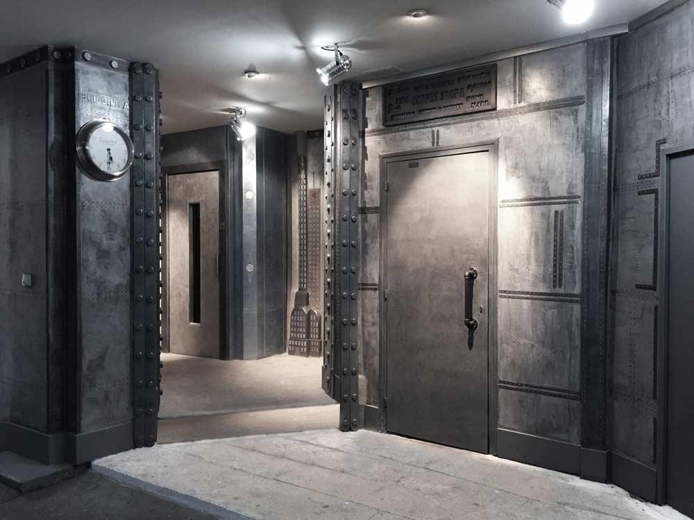 Hall immeuble style industriel métalisé