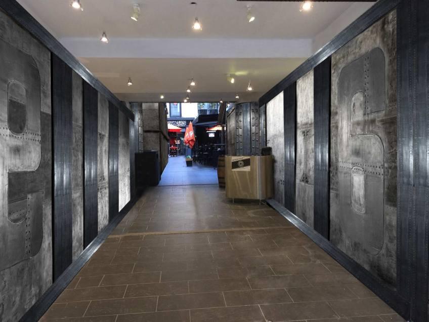 restaurant style industriel murs métal