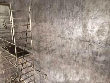 restaurant décoration murs style industriel murs métal et riveté en travaux