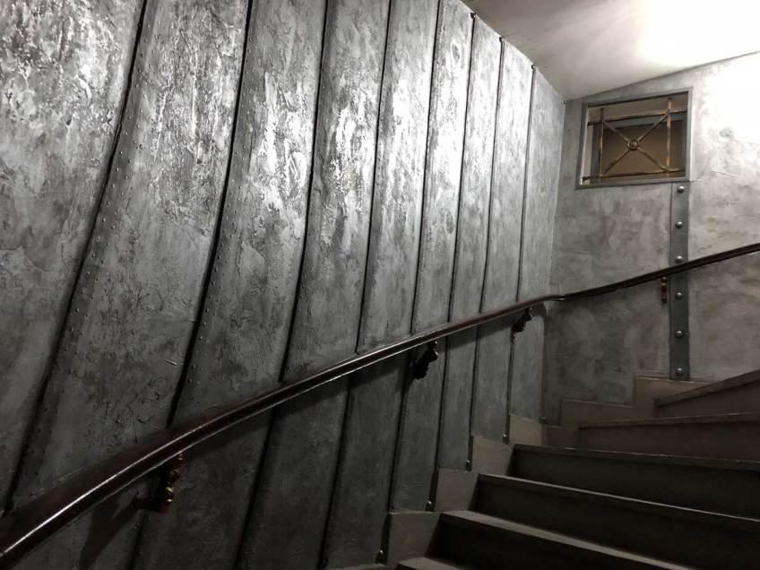 mur métal restaurant style industriel nautilus jules verne