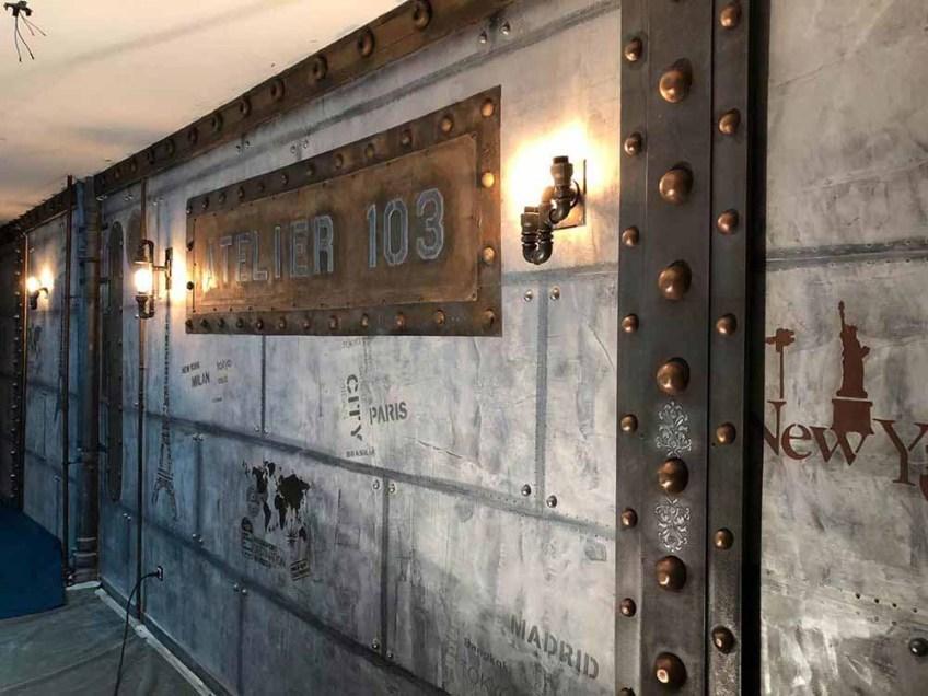 boutique style industriel avec murs métal