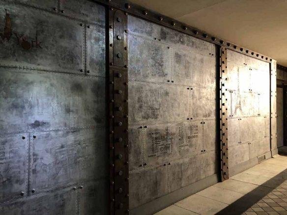Peintre décorateur de style industriel murs métal style Eiffel