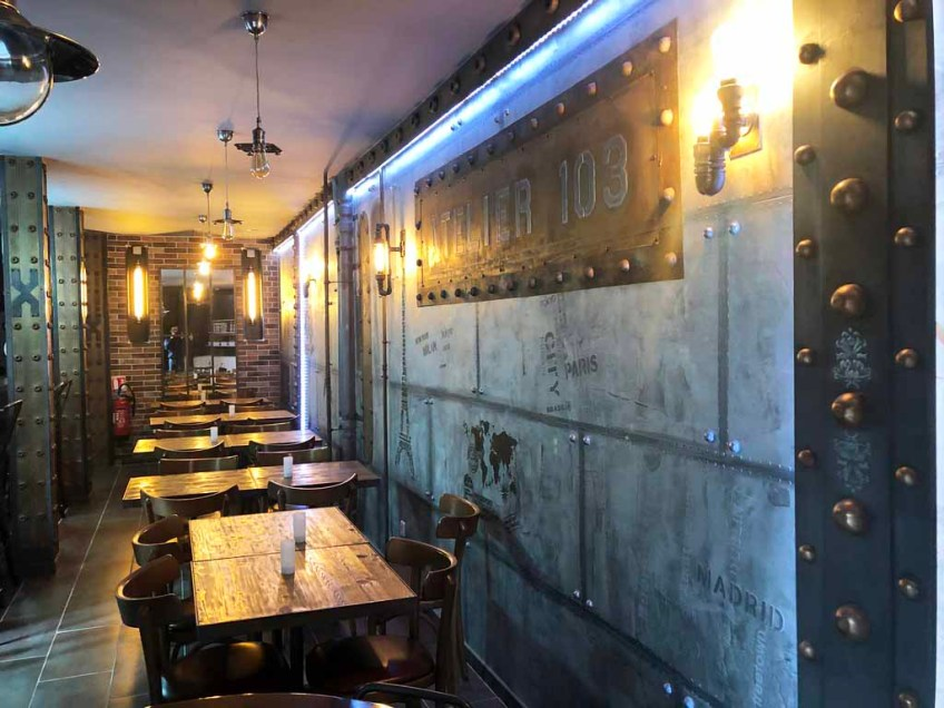murs métal style industriel brasserie