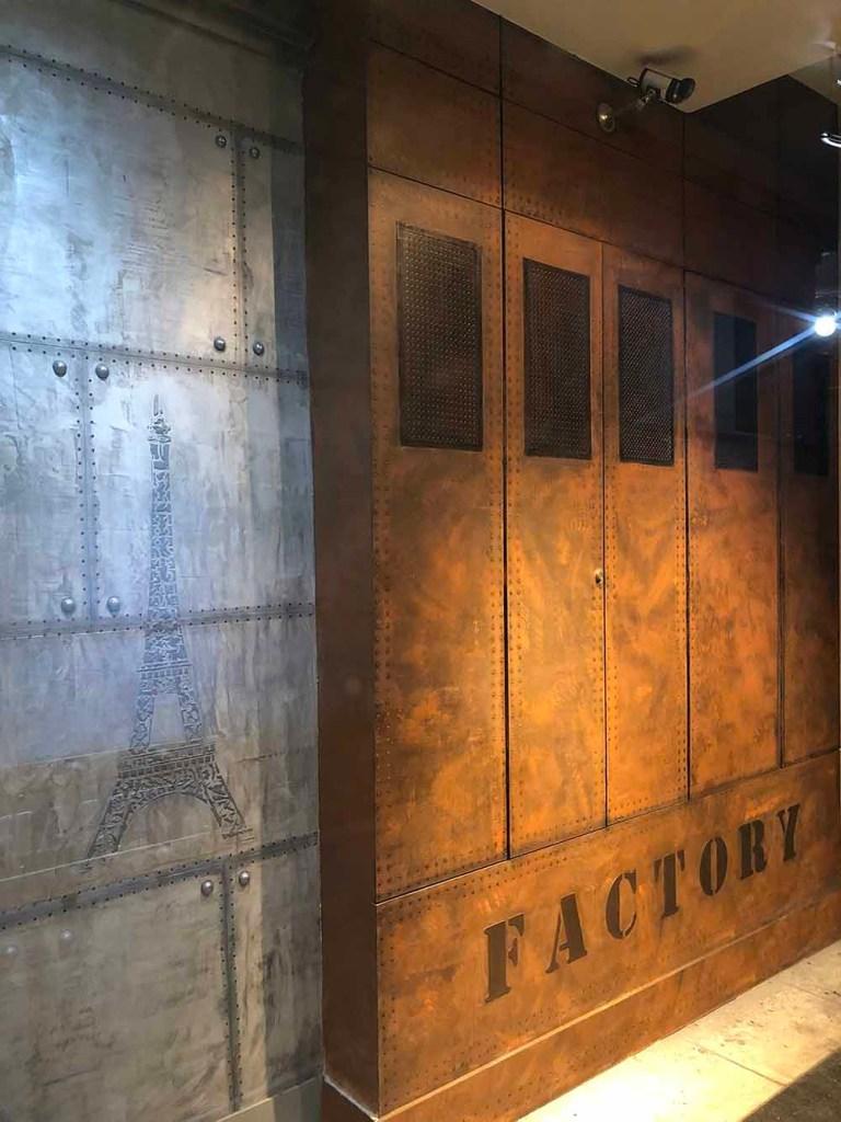decoration hall d entrée immeuble placard customisé industriel