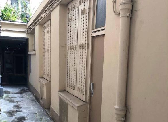 Cour immeuble avant travaux et métallisation