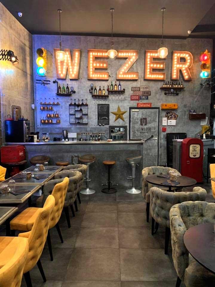 restaurant décoration industrielle et Eiffel