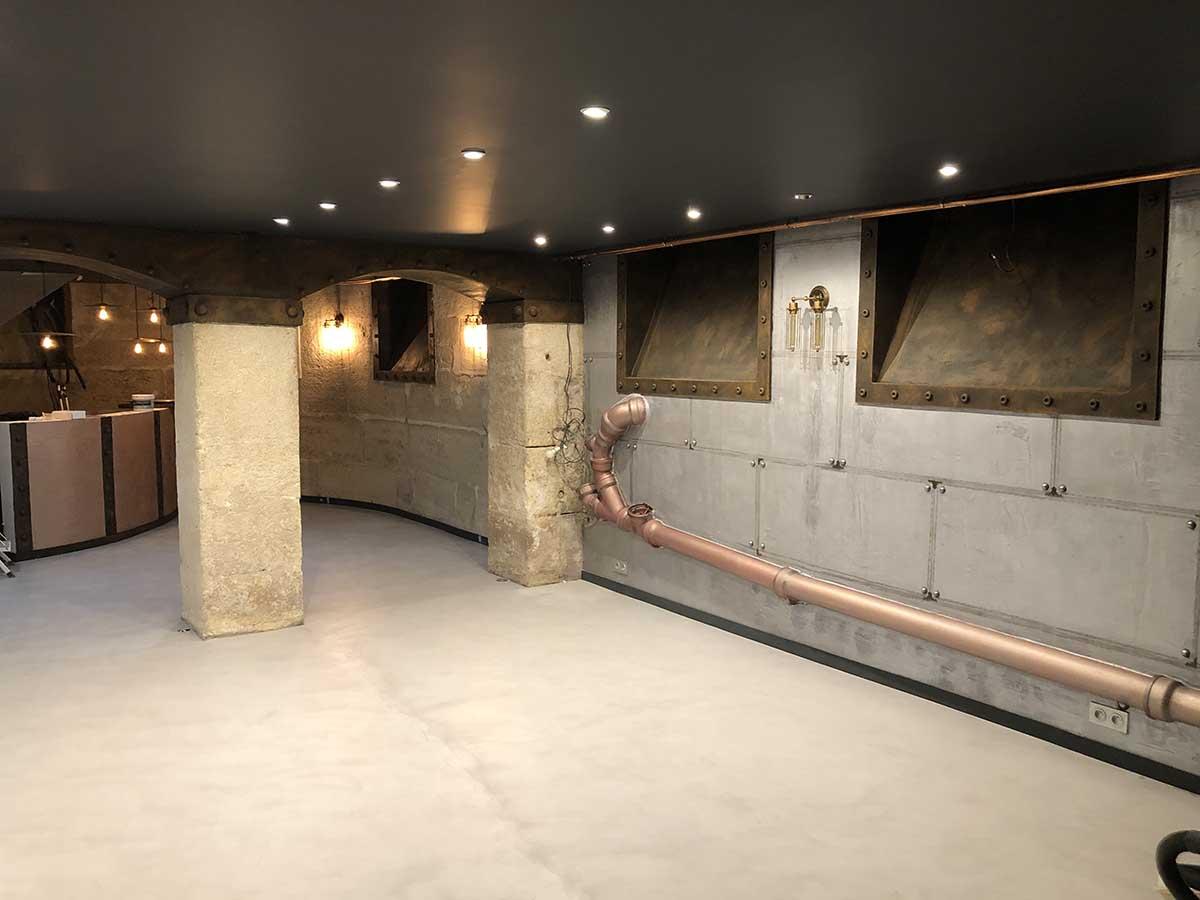 décoration de vitrines magasins métal oxydé et murs métal