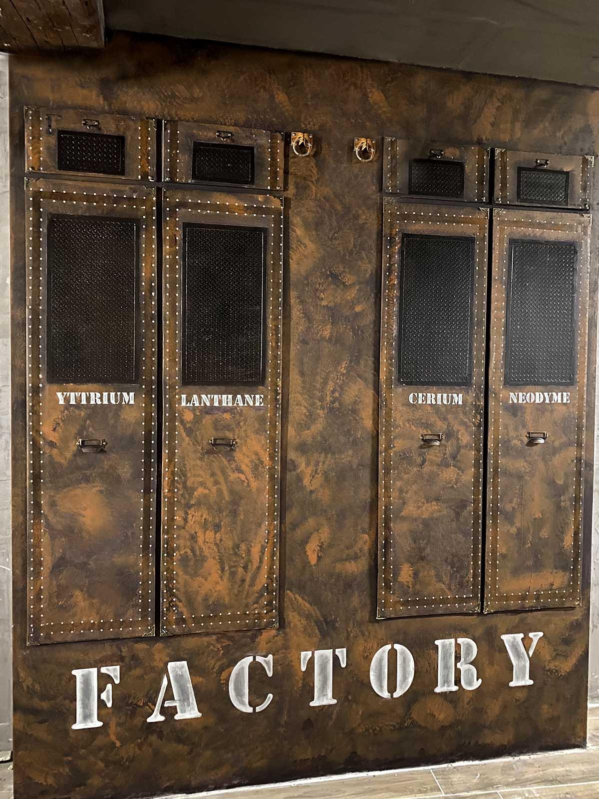 décorateur de volumes et surfaces inspiration malles Louis Vuitton sur BA13
