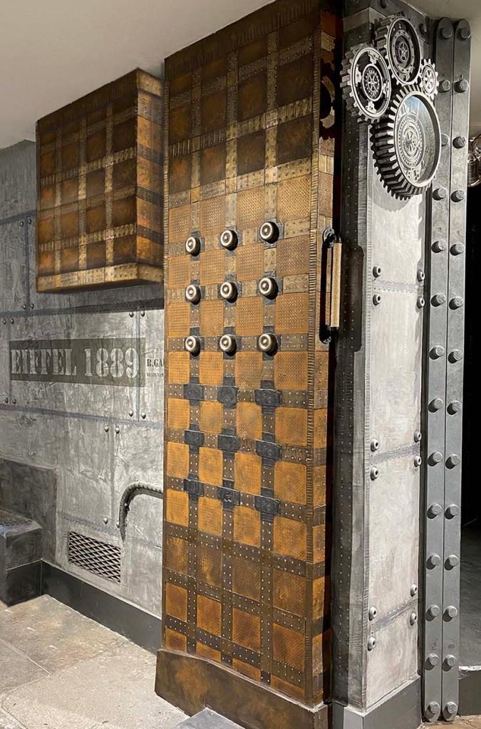 designer murs métal style industriel, inspiration Eiffel revisité et moderne