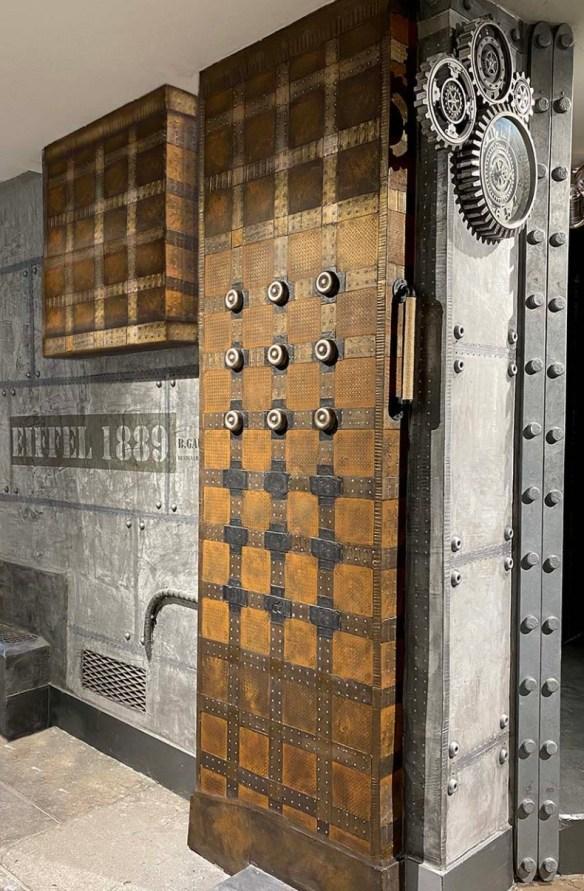 décoration style industriel chic customisation Eiffel et inspiration Louis Vuitton