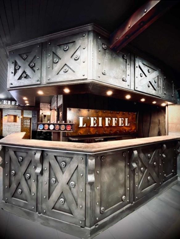 décorateur comptoir de bar style Eiffel
