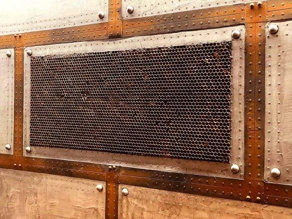 deco mur style industriel fausse grille oxydée en relief 3D
