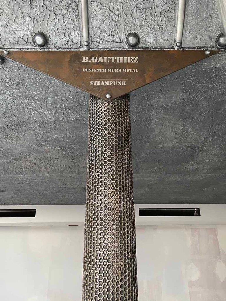 décorateur mur métal style industriel et IPN style Eiffel