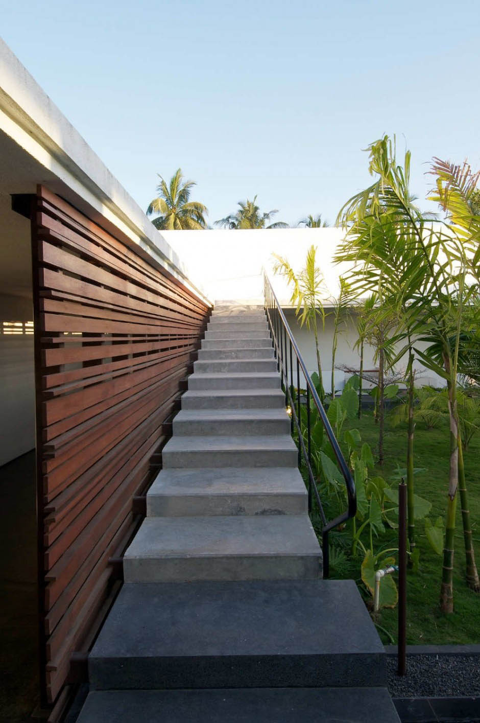25 Contemporary Outdoor Design Ideas - Decoration Love on Backyard Stairs Design id=94231